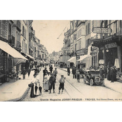 TROYES : grands magasins...