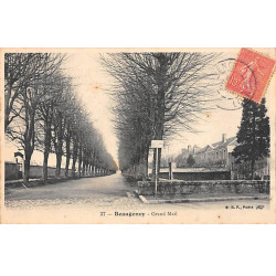 BEAUGENCY - Grand Mail -...