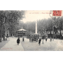 ANTIBES - Place Nationale -...