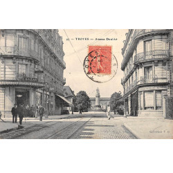 TROYES - Avenue Doublet -...
