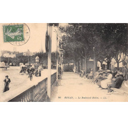 CHARLEVILLE : concours...