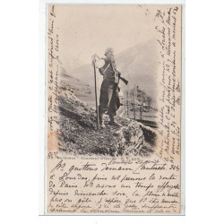 PYRENEES : chasseur...