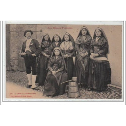TYPES BASQUES - Groupe...